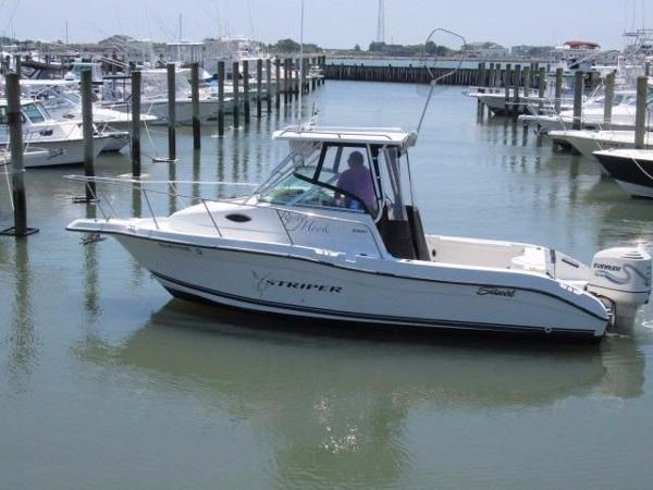 2000 Seaswirl Striper 2300 Walkaround