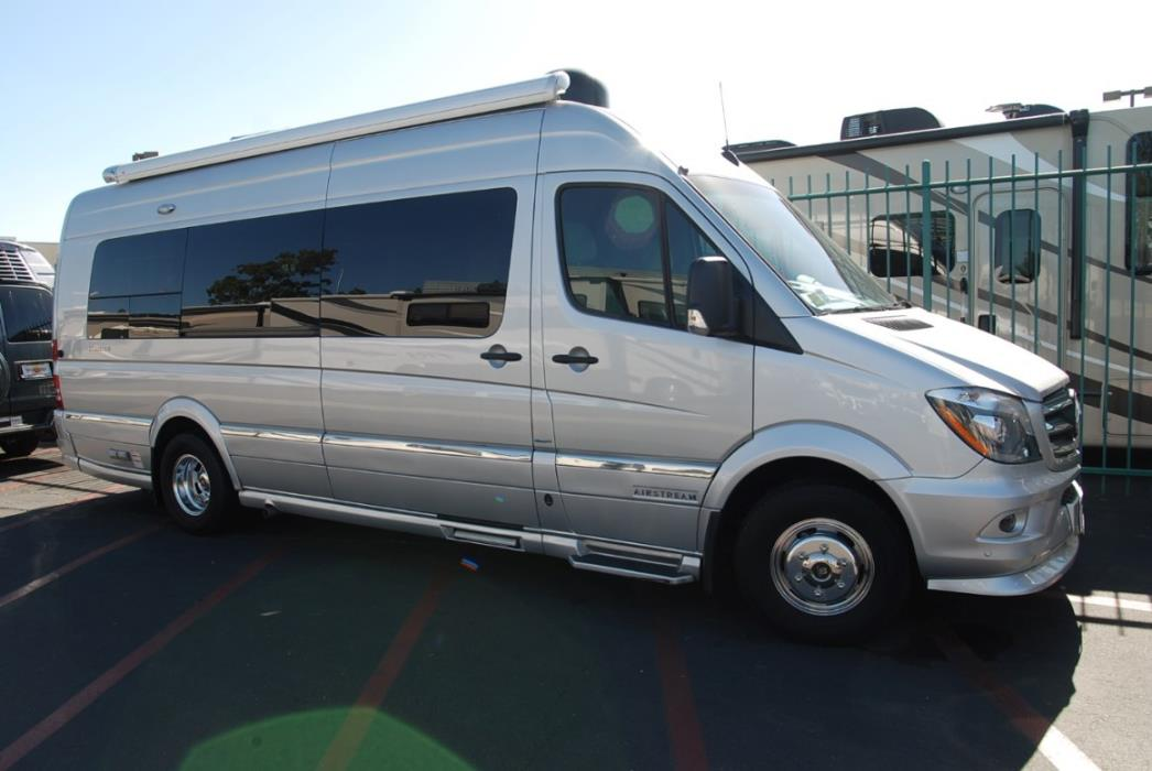 2016 Airstream INTERSTATE GRAND TOUR EXT TWIN