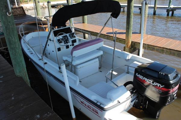 Boston Whaler 17 Outrage Boats for sale