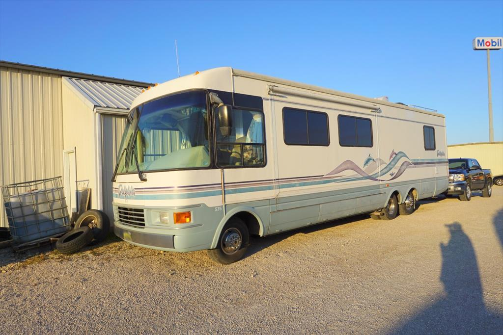 1997 National Rv Dolphin 535