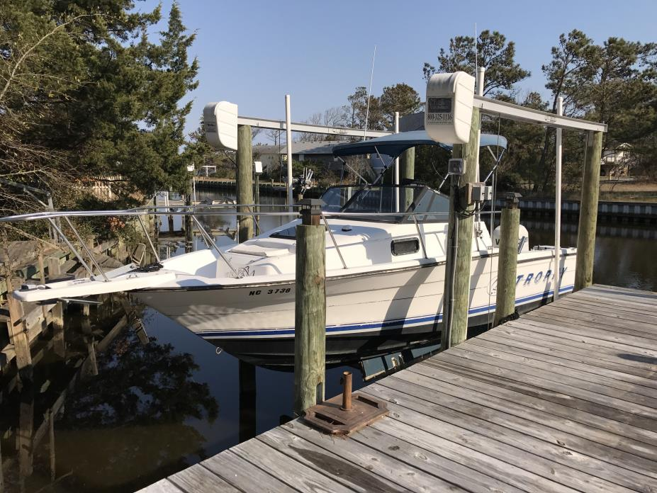 1993 Bayliner Trophy 2302 Wa