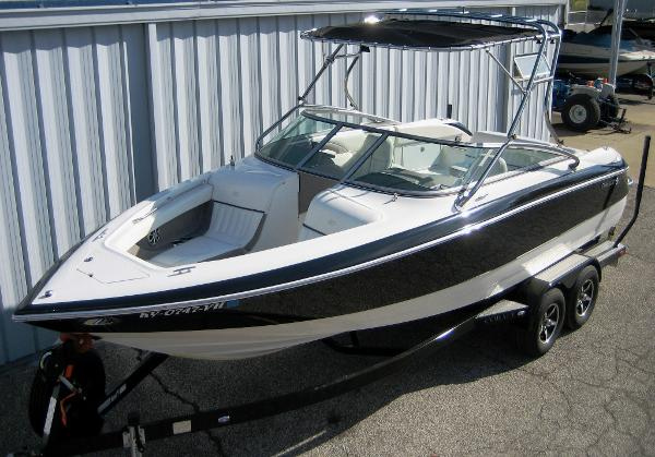2005 Cobalt 240 BR