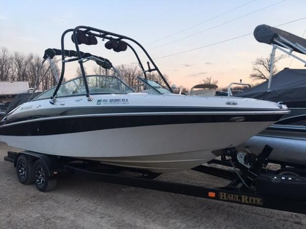 2005 Four Winns 250 Horizon