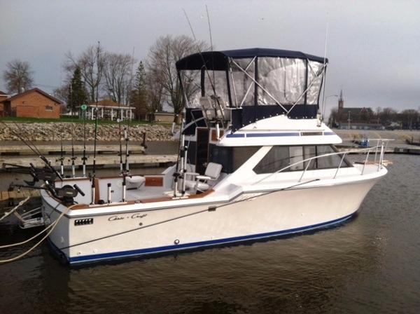 1988 Chris Craft 315 Commander
