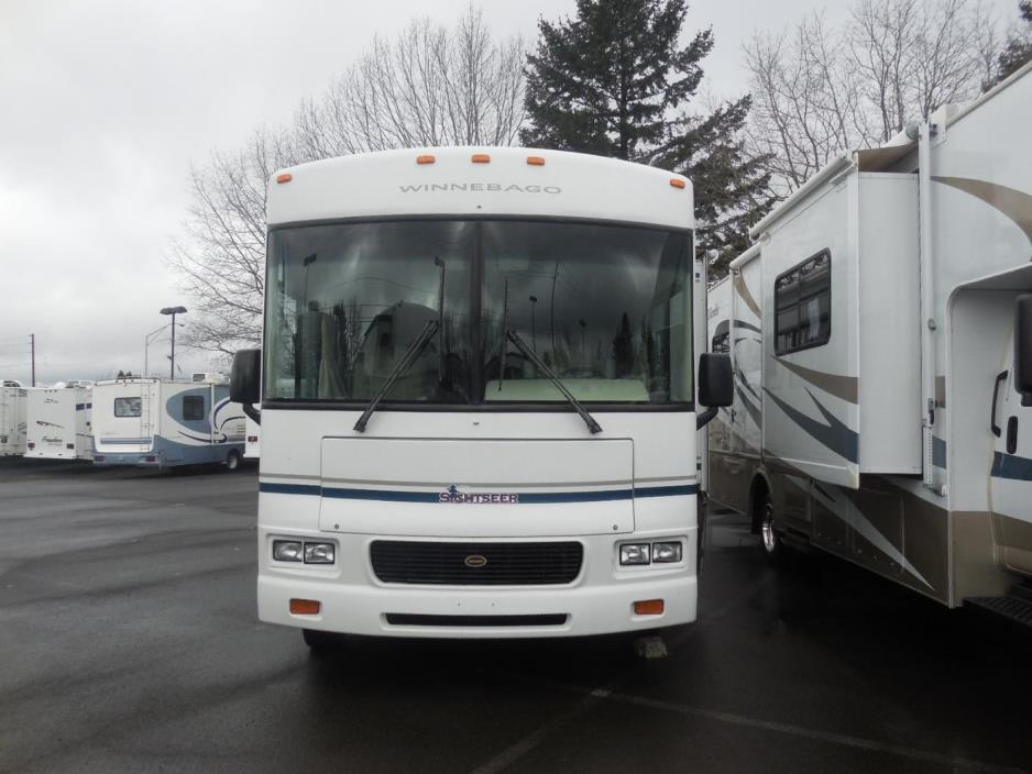 2003 Winnebago Sightseer 30B