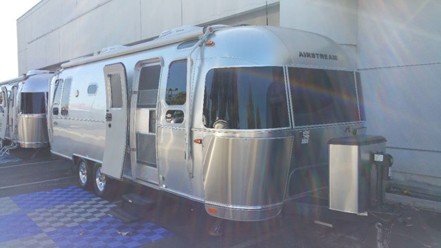 2016 Airstream Flying Cloud 26U