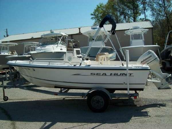 2000 Sea Hunt Triton 172