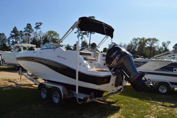 2017 Hurricane SunDeck 2486 Outboard