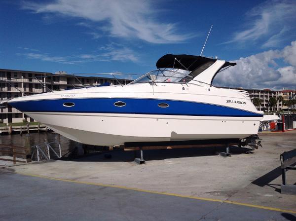 2007 Larson 330 CABRIO