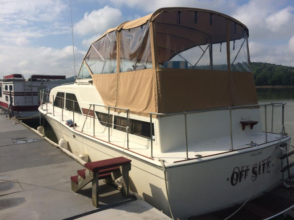 1979 Chris Craft Double Cabin