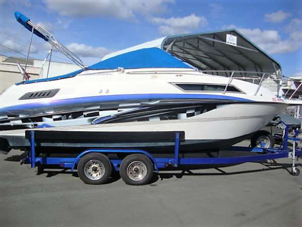 1994 Chaparral 240 Signature Cruisers, 1