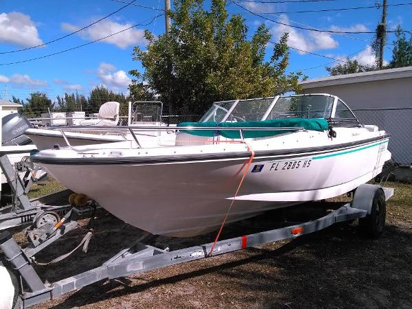 Boston Whaler 17 Dauntless Boats for sale