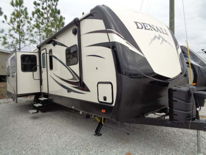 2017 Dutchmen Denali Travel Trailer 287RE(GP)