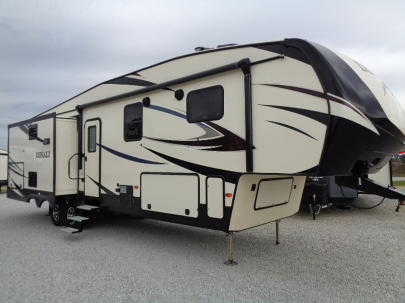 2017 Dutchmen Denali Fifth Wheel 335RLK(GP)