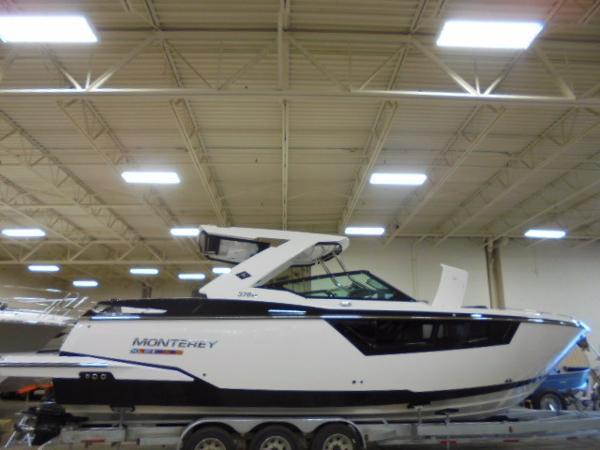 2017 Monterey 378 SE Bowrider