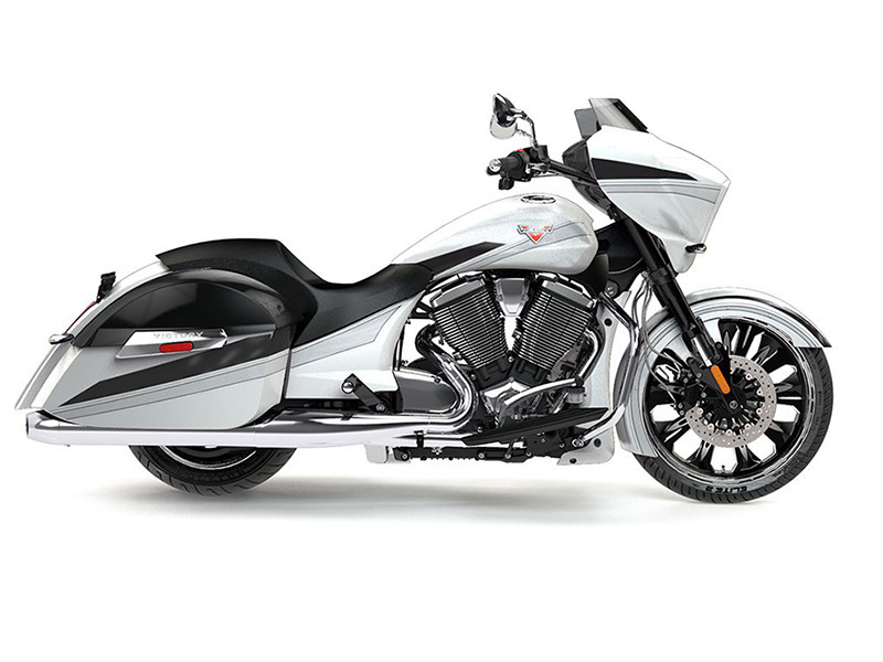 2016 Victory Motorcycles Magnum Suede Pearl White with Black & Silver
