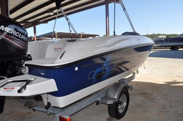 2017 Bayliner Element XL