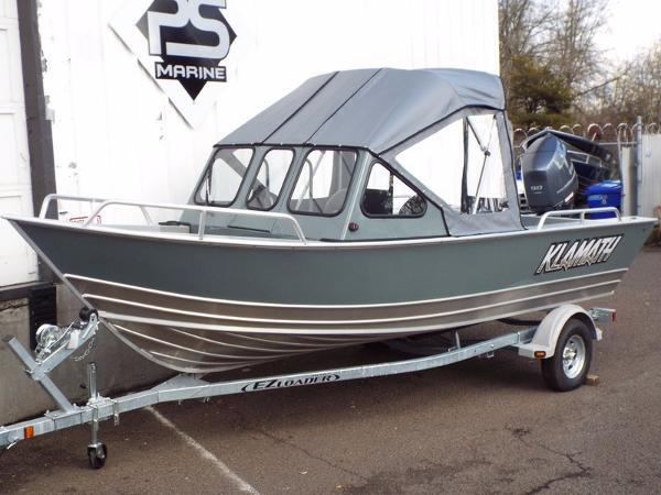 2017 Klamath Boats Windshield 19 GTX