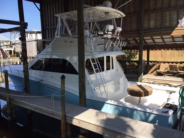 2001 Cabo Yachts Convertible