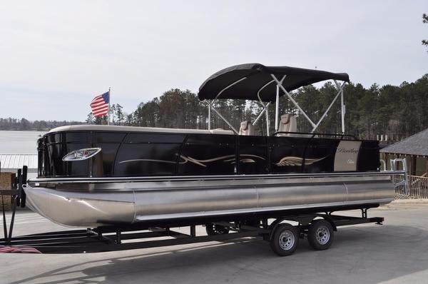 2016 Encore Boat Builders Bentley Elite 253 Admiral rear lounger