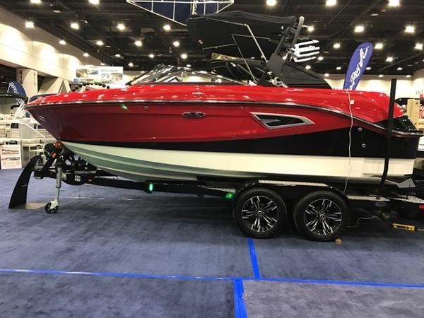 2017 Sea Ray 230SLX-W