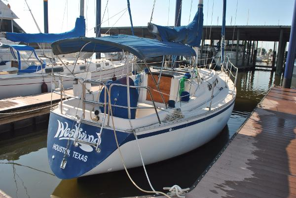 1983 Canadian Sailcraft CS 33