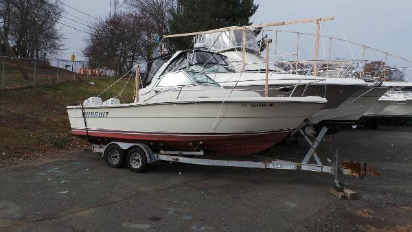 1986 Pursuit 2550 WA