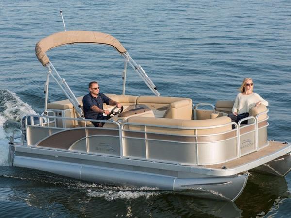 2017 Bennington 168 SLe 8Ft Wide