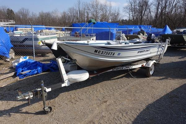 Smoker craft boats for sale in michigan for Smoker craft pro mag