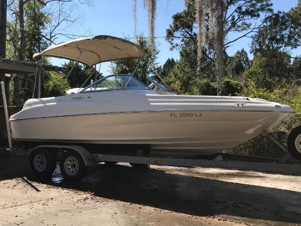 2000 Sea Ray 210 Sundeck