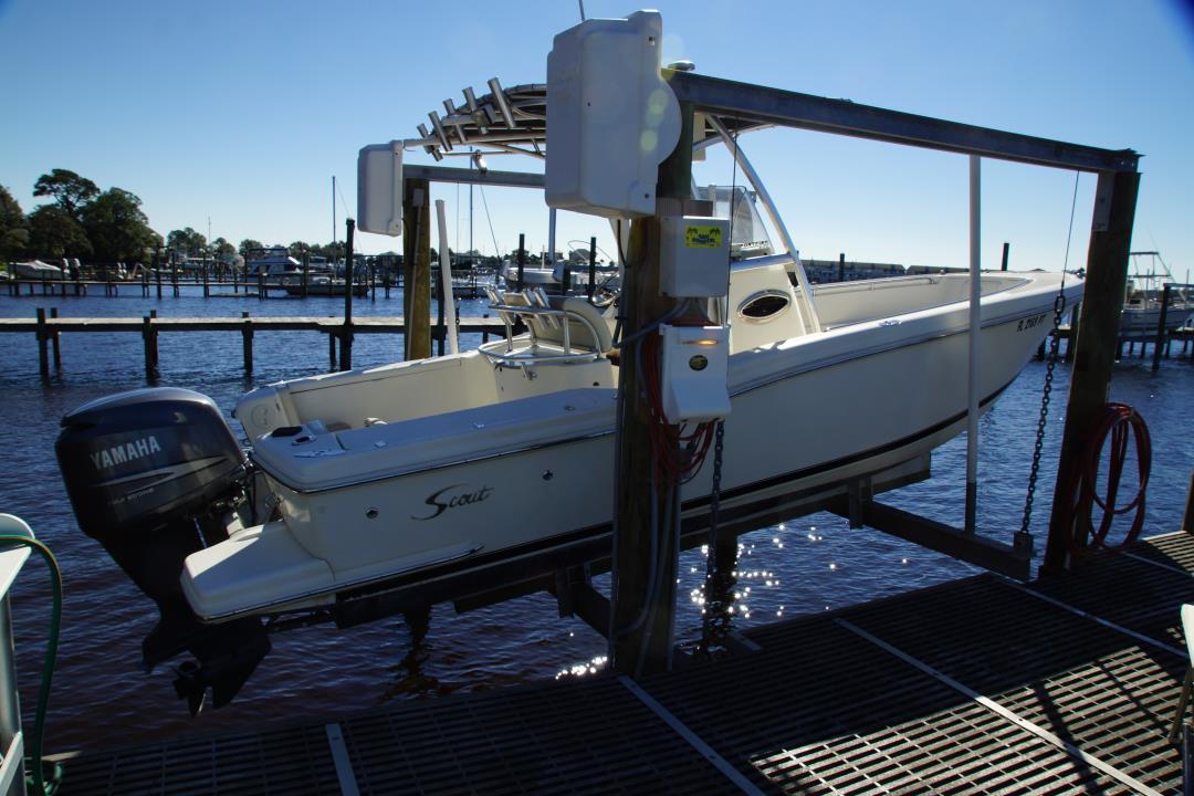 2002 Scout 235 sportfish