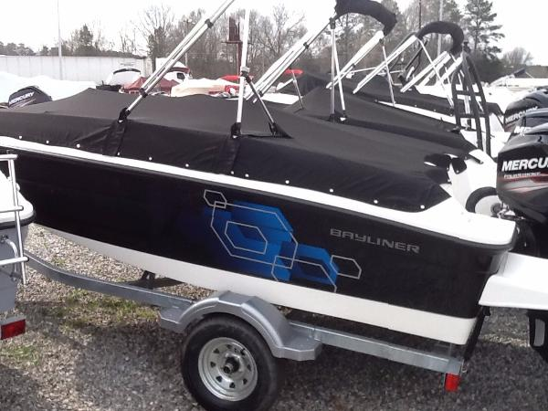 2017 Bayliner 160 Element