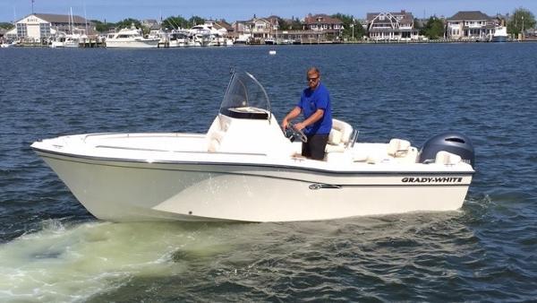 2016 Grady White 209 Fisherman