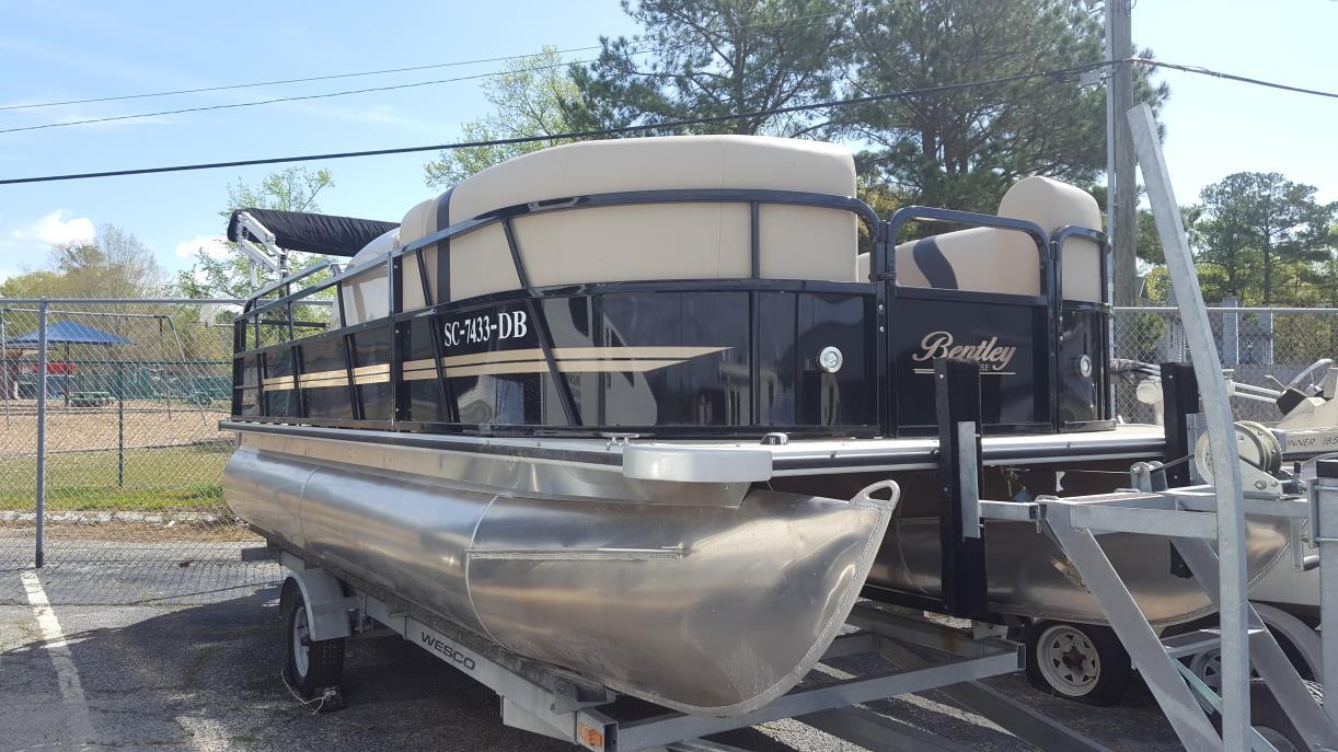 bentley pontoon cruise se dealers