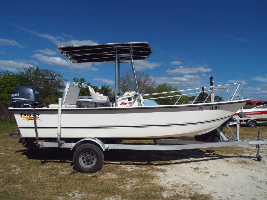 2004 Twin Vee Catamarans Power Cat, Bay Cat 19