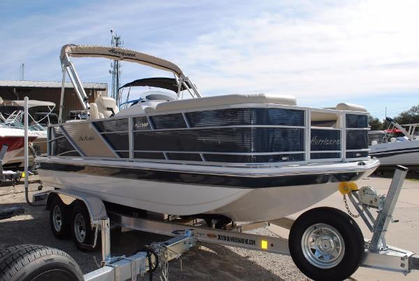 2017 Hurricane 196 Fundeck Outboard Deckboat