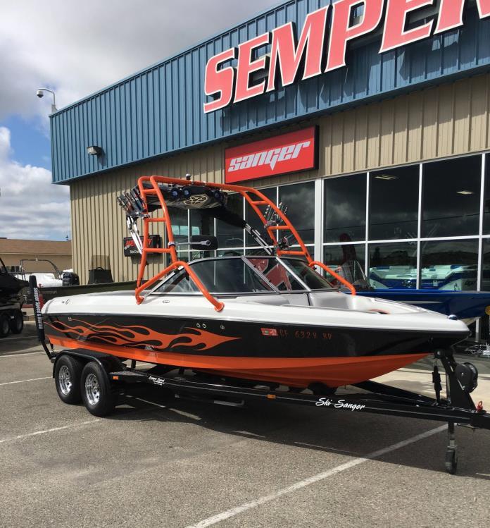 2005 Sanger Boats V215