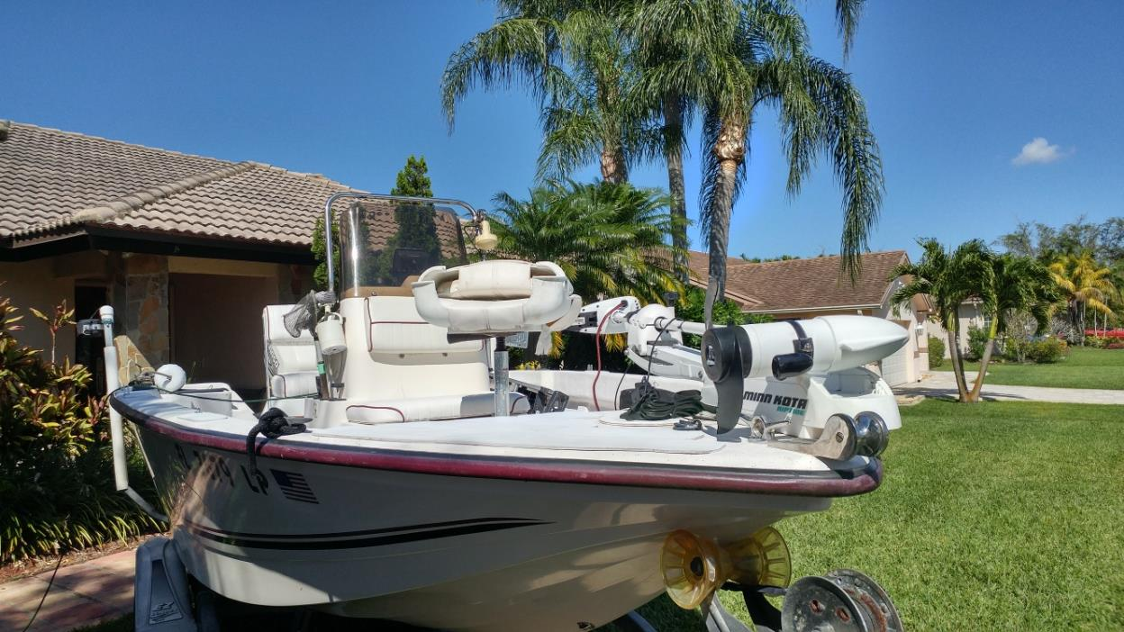 2000 May-Craft 1600 Center Console