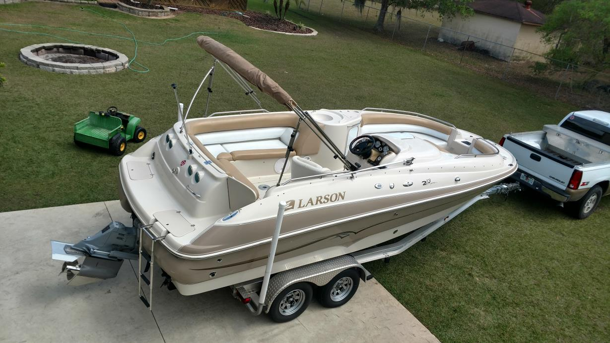 Larson 213 Escape Deck Boat Boats For Sale