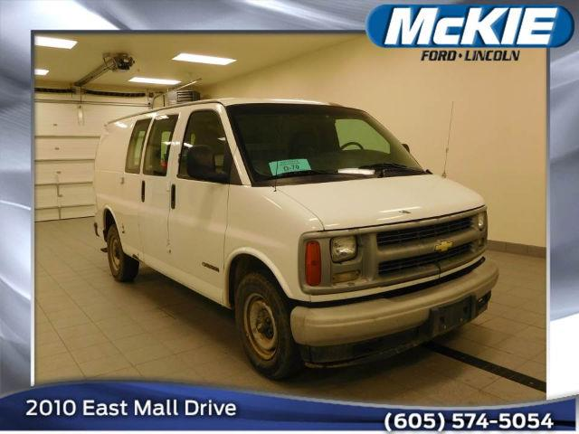 2000 Chevrolet Express Cargo G2500