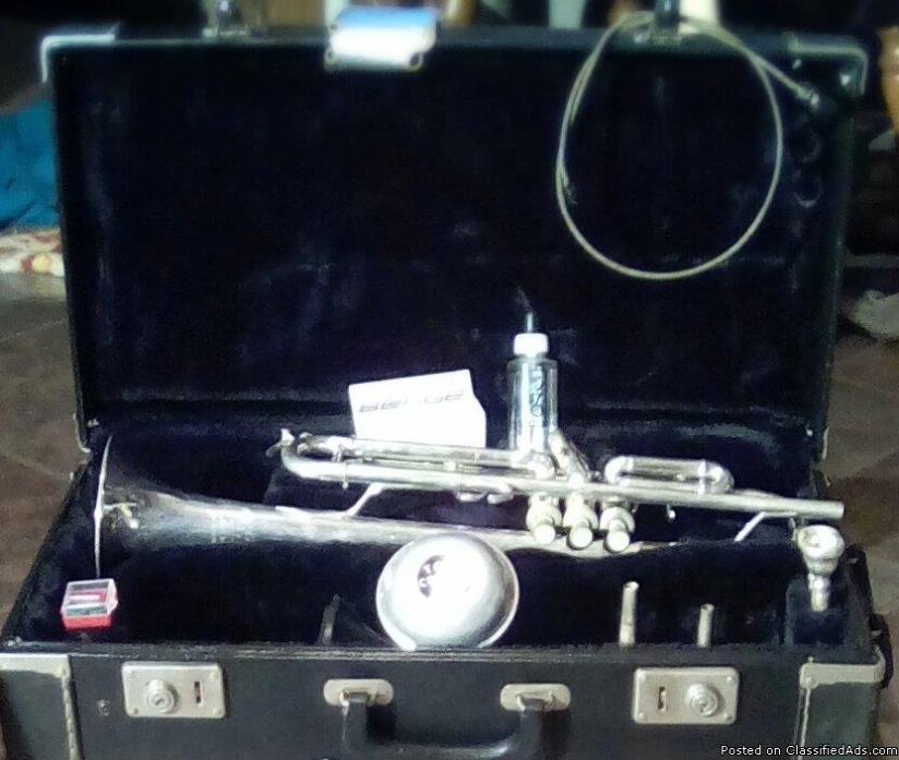 Vintage E.Benge Proffesional Bell 3 Silver Trumpet with original case in...