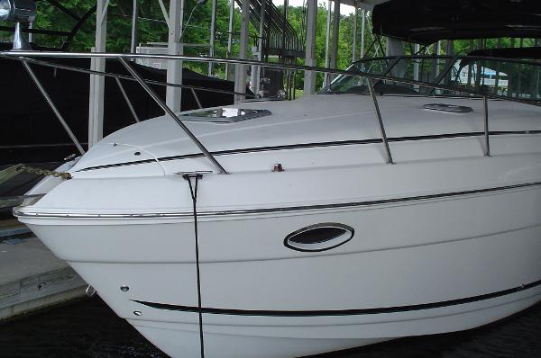 2006 Rinker 300 Express Cruiser