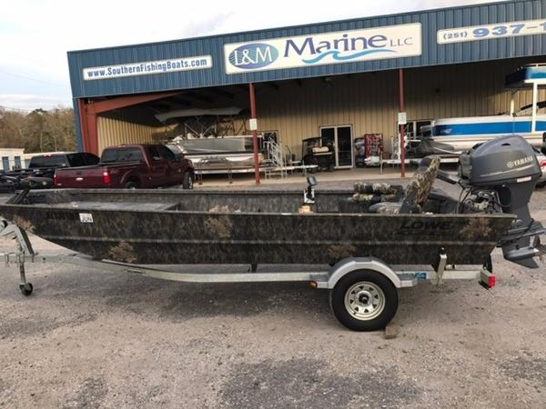 2015 LOWE BOATS Hunting Roughneck 1860 DLX Camo