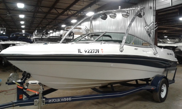 2001 Four Winns 190Horizon