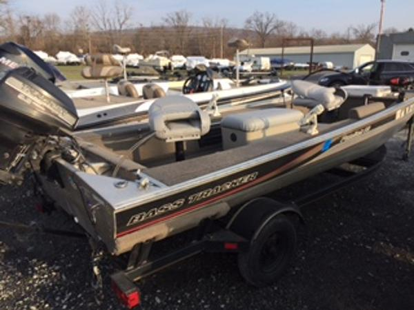 2000 Tracker Panfish 16