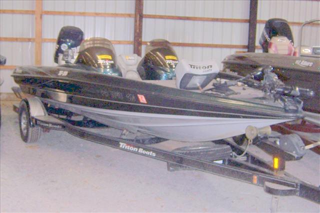 2003 TRITON BOATS TR-20