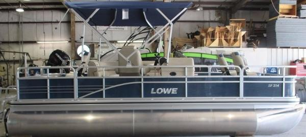 2016 LOWE BOATS SF214