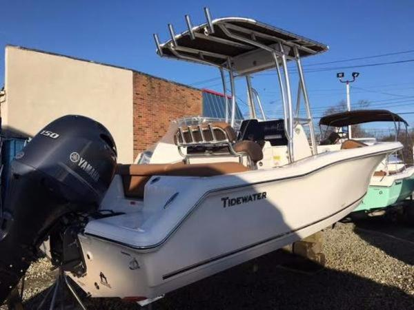 2017 TIDEWATER BOATS 198 CC Adventure