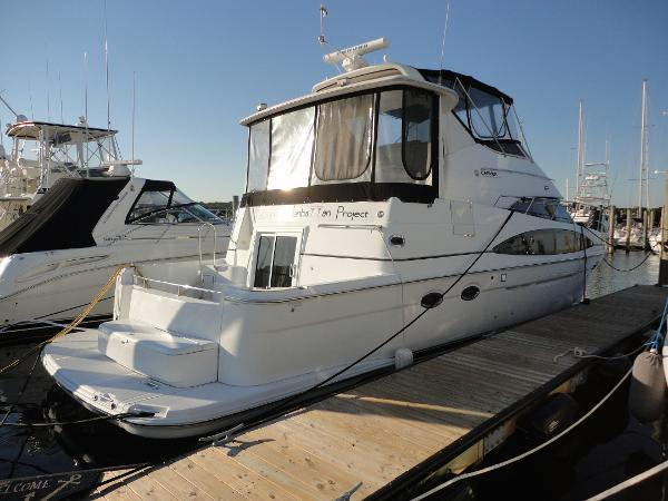 2002 CARVER YACHTS 444 Motor yacht