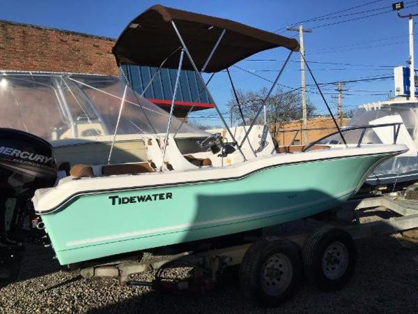 2017 TIDEWATER BOATS 180 CC Adventure